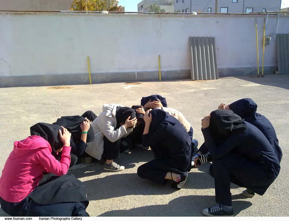 Shahin_Shahr_School_Girls_Earthquake_2010.jpg