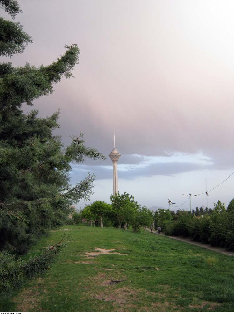 Tehran_Milad_Tower_Clouds.jpg